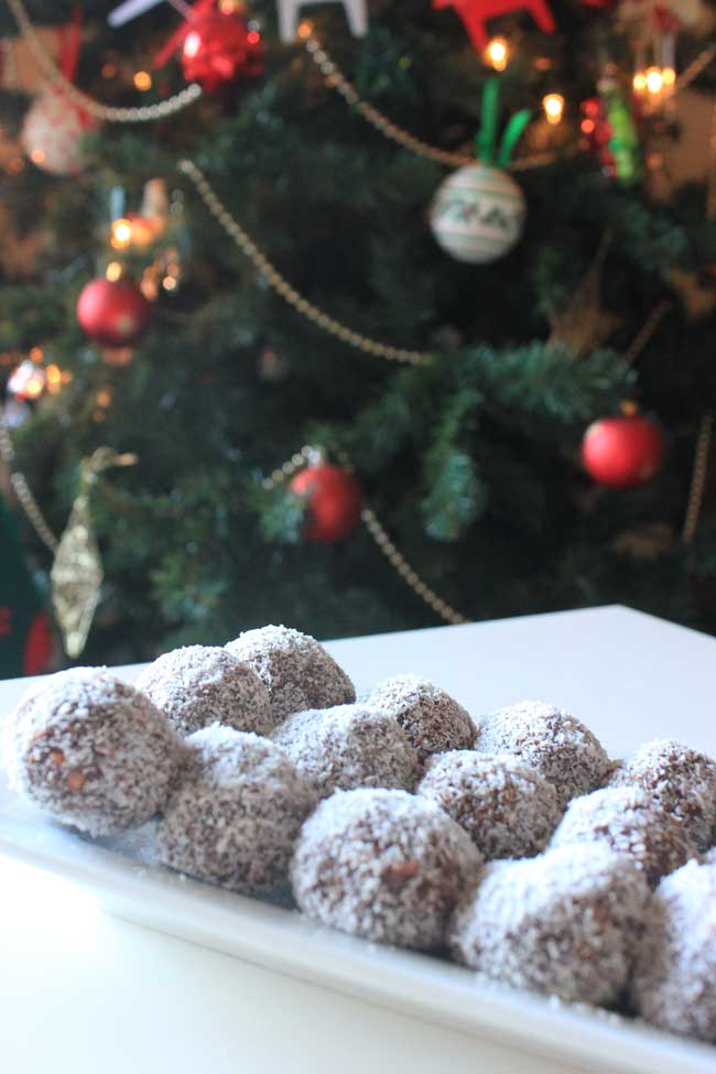chocolatey and sweet - these rum balls are a must every Christmas!