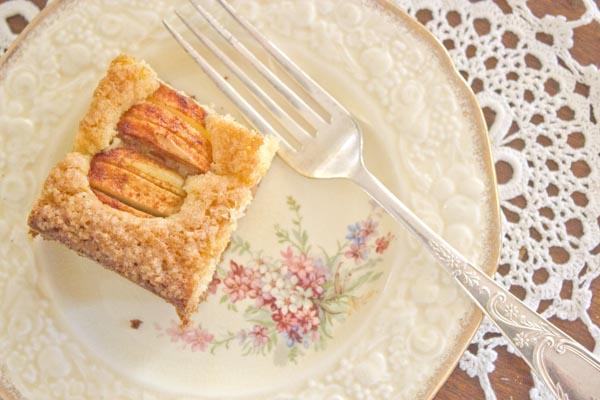 Omenakakku finnish apple cake | Veggie mama