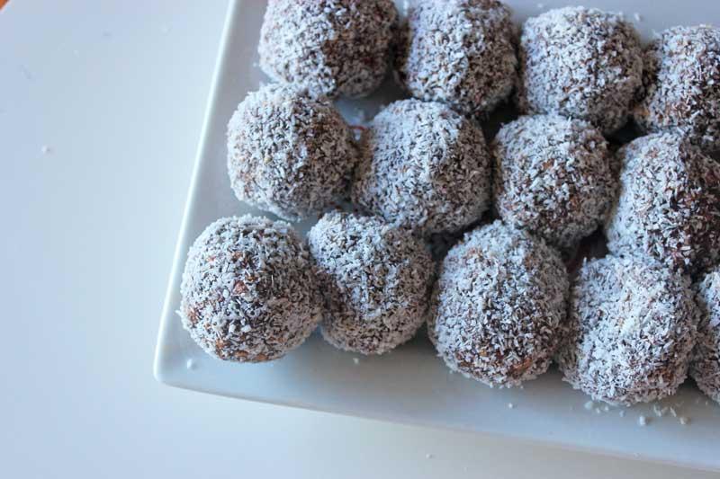 Christmas rum balls (no rum!) with condensed milk   Veggie Mama