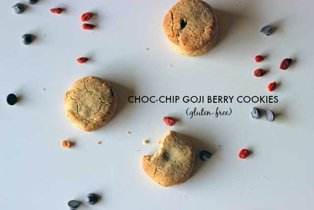 Gluten free choc-chip goji berry cookies recipe: these gluten-free (and almost-healthy!) choc chip cookies are packed with juicy goji berries for that little something extra